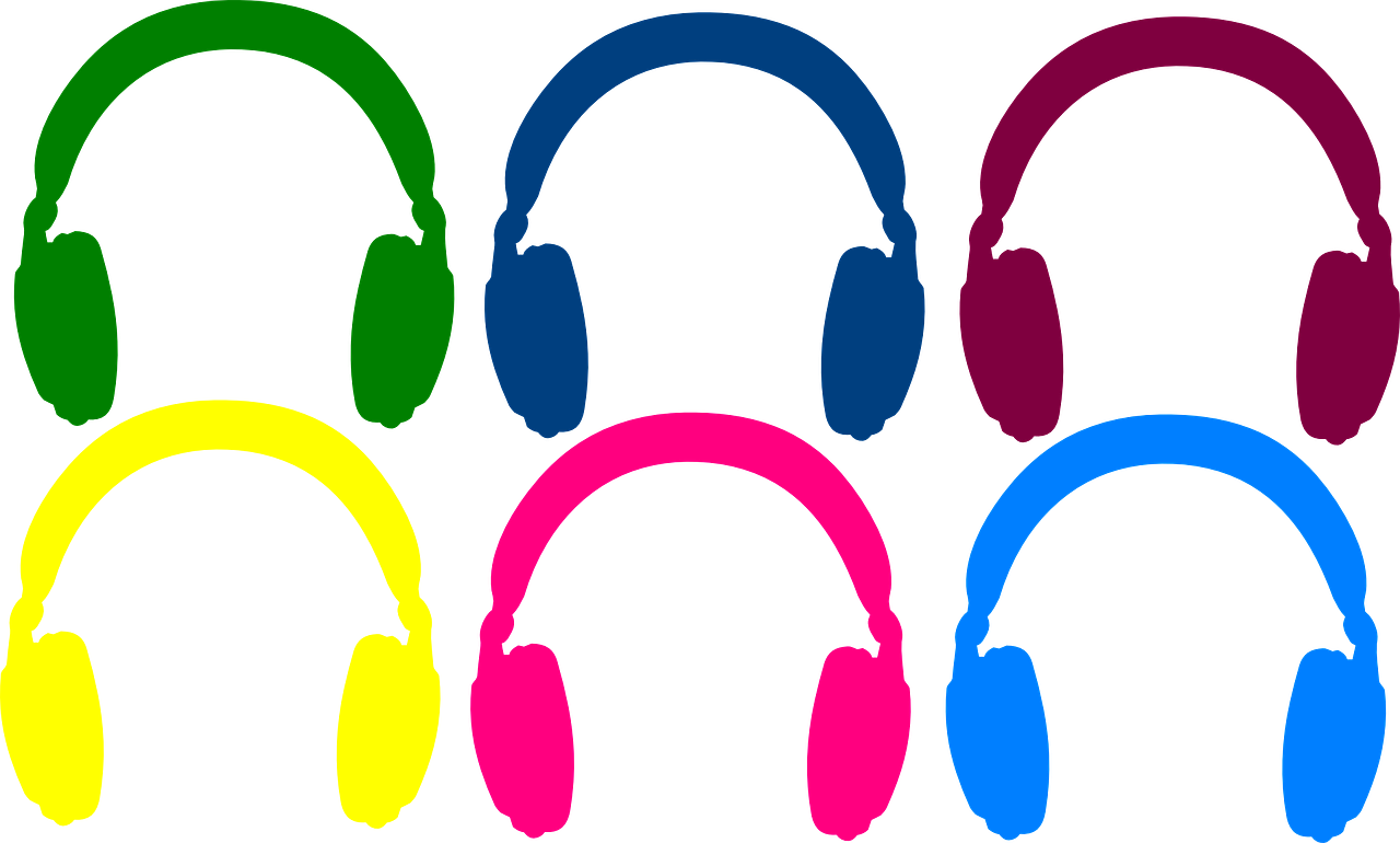 Open back vs. closed-back headphones for mixing